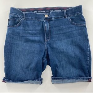 Lee Bermuda blue jean shorts size 18W